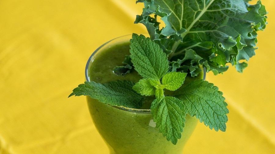зеленые смузи с мятой