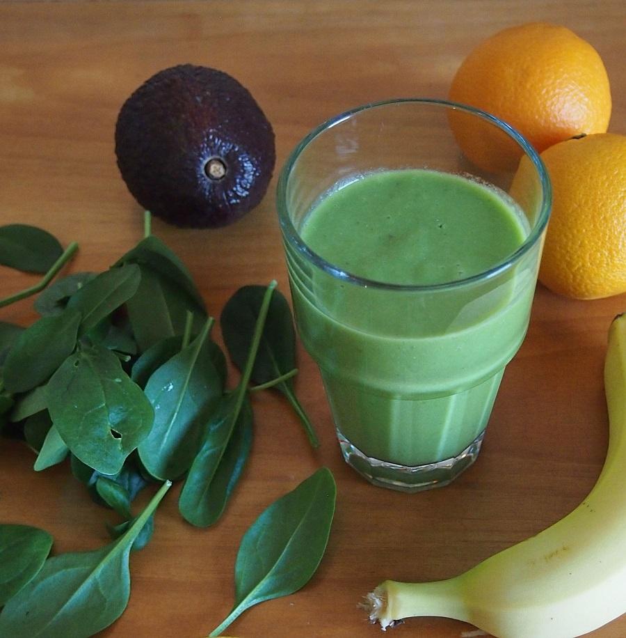 зеленые смузи с фруктами